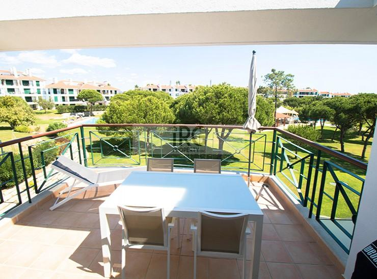 Vila Sol T2 with views over the pool and gardens